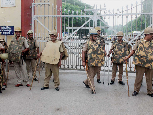 Nine students of the Banaras Hindu University, who were on their way from Jantar Mantar to the prime minister's official residence, were detained by the Delhi.