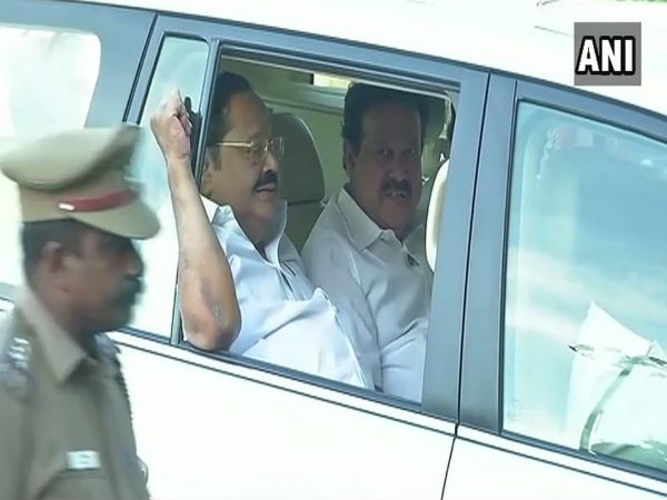 Opposition parties ask TN governor to convene assembly immediately, conduct floor test