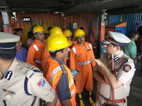 NDRF team at Elphinstone station