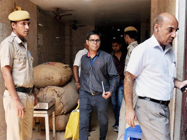 Hurriyat terror funding: NIA recovers Rs 2.20 crore cash following raids
