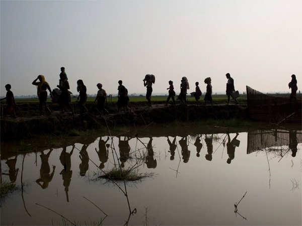 Amidst Rohingya crisis, centre reviews free movement regime with Myanmar