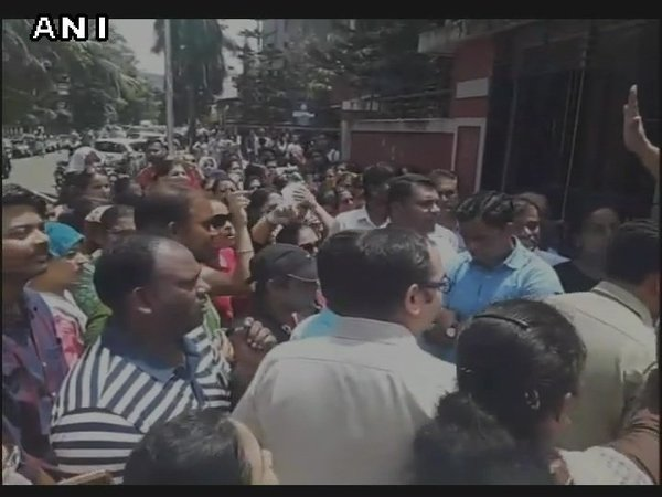Parents protesting outside Navi Mumbai branch of Ryan International School