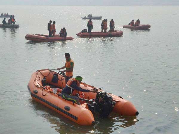 One dead as Passenger boat carrying Maharashtra Chief Secretary capsizes off Mumbai coast