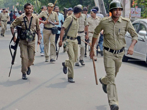West Bengal Police had intimated Sikkim Police before raids in Sikkim - Oneindia News