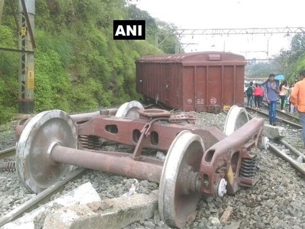 7 coaches of Shaktipunj Express derail in UP; no casualties