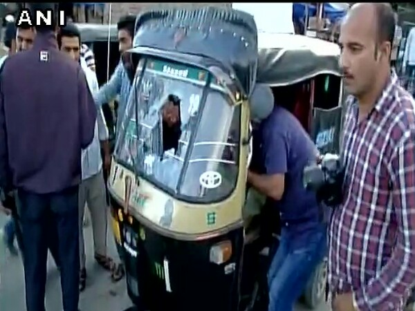 Grenade attack by terrorists in Srinagar's Jahangir Chowk; 1 dead, 14 injured