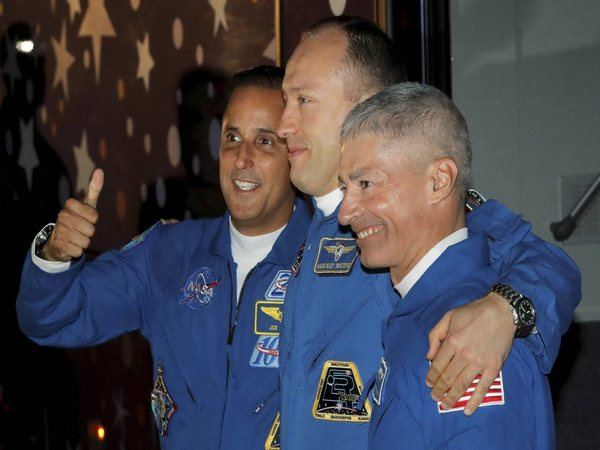3 new crew members arrive at ISS