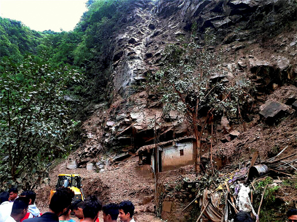 Fatal Landslide On Chandigarh-Shimla National Highway Buries Several Vehicles