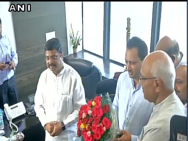 New sports minister Rajyavardhan Singh Rathore makes surprise inspection at SAI office