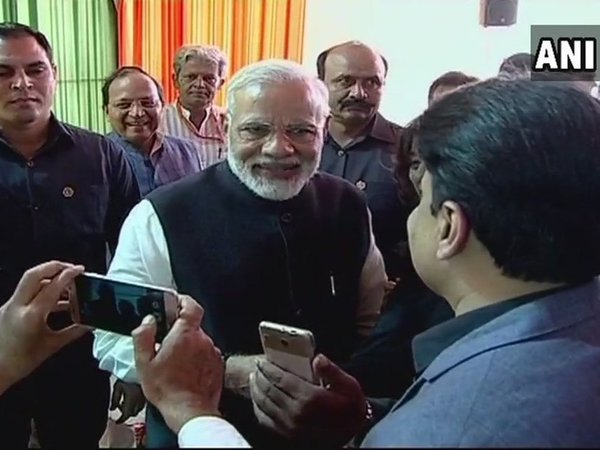 Modi tells media, debate how parties evolve leadership