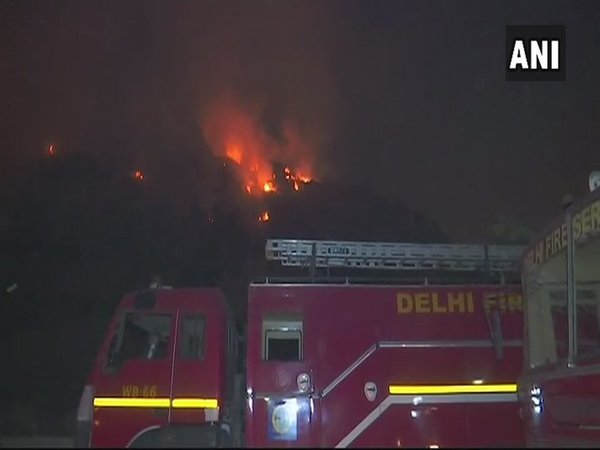 Fire at Ghazipur landfill in Delhi