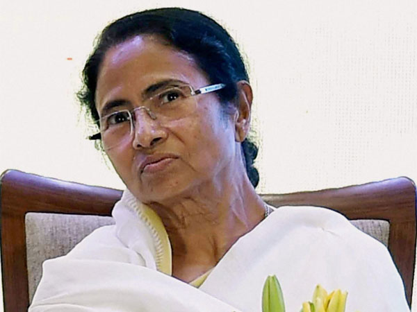 Mamata calls upon regional parties to come together to defeat BJP