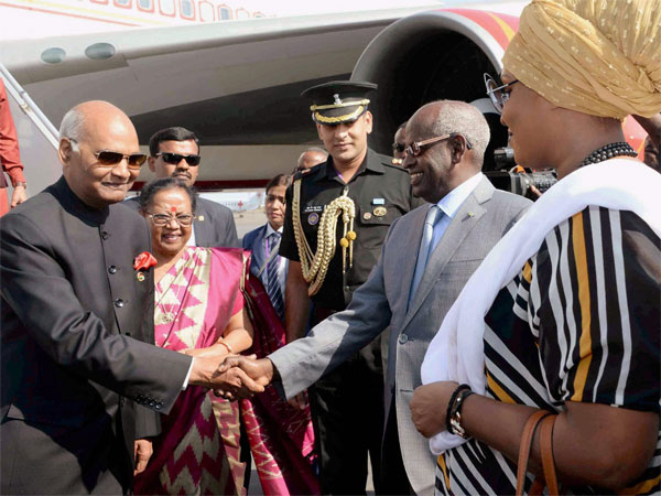 President Ram Nath Kovind welcomed by Abdoulkader Kamil Mohamed, the Prime Minister of Djibouti on Tuesday. Photo credit: PTI