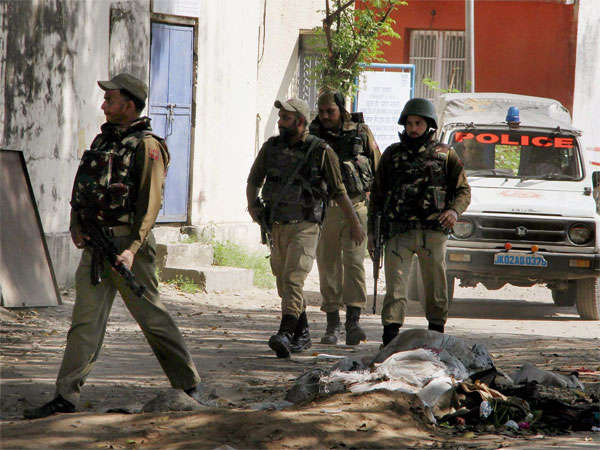 Grenade hurled at police patrol party in Pulwama's Tral, no casualty