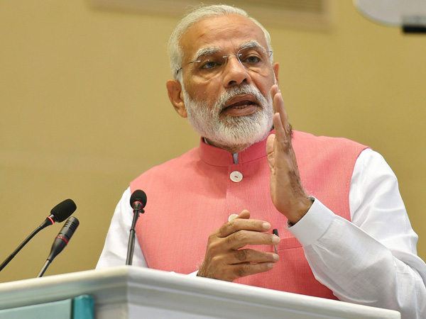 PM uses Diwali Milan to lambast at Congress on dynastic politics