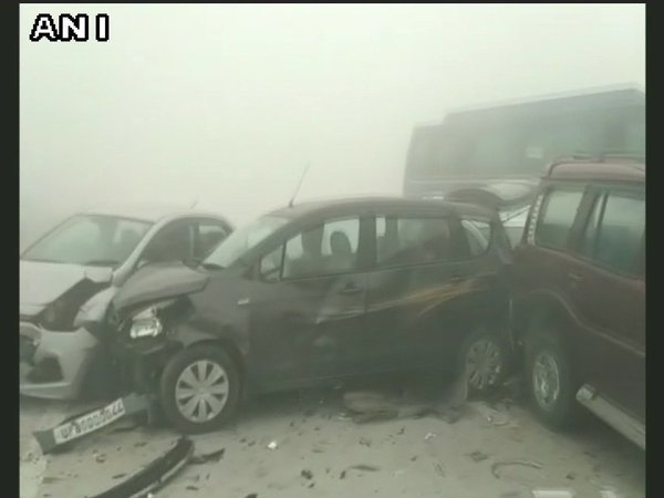 Delhi Smog Result : 18 Vehicles Crash into each other on Yamuna Expressway