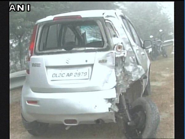 Cars collide back to back due to dense fog on Yamuna Expressway