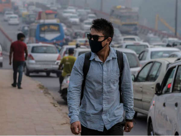 Delhi smog: AQI still in 'severe' category. PTI file photo