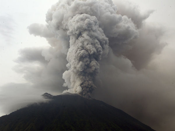 Indonesia officials extend Bali airport closure over volcanic