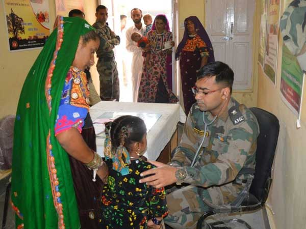 Army extends help to ailing people in Rajasthan