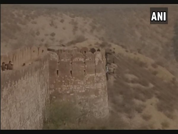 Dead body found hanging from fort wall