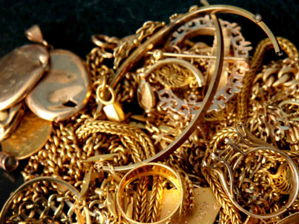 Robbers loot gold worth Rs 1 crore in Delhi