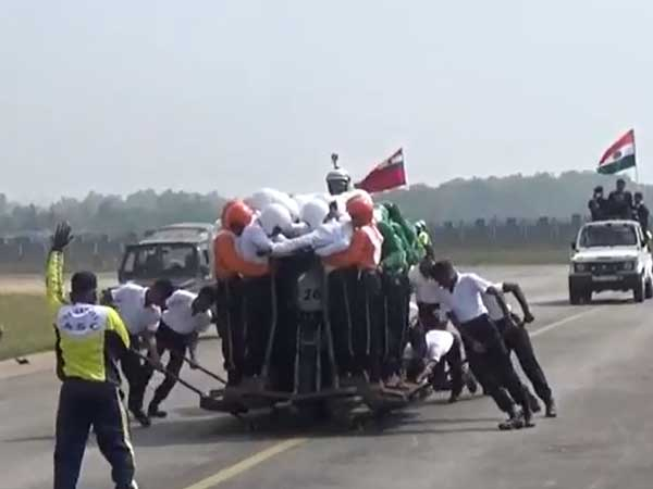 Watch: Indian army creates Guinness record, daredevilry with 58 men on a single bike