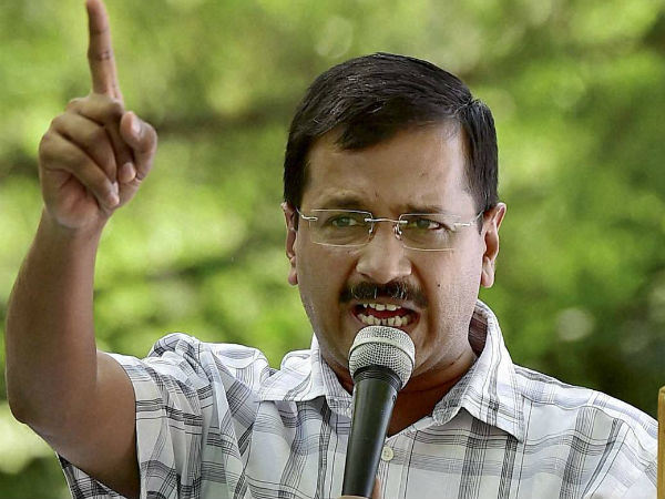 Kejriwal pulls up top hospital officials for lapses