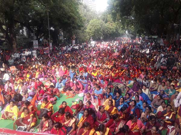 Bhartiya Mazdoor Sangh takes out massive rally to mount pressure on Govt