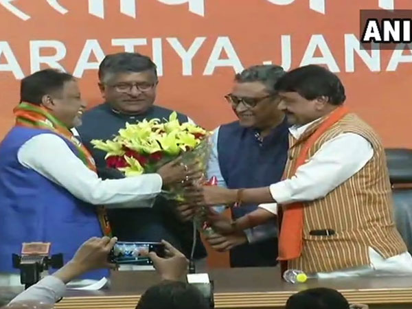 Mukul Roy joins BJP, says it will come to power in Bengal