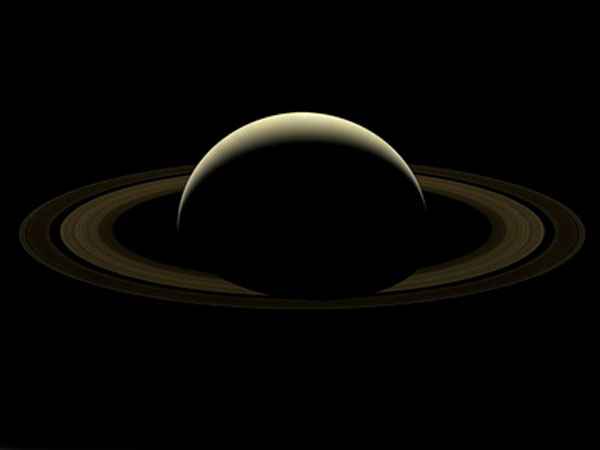 Cassini Spacecraft Bid Farewell With Amazing Images Of Saturn