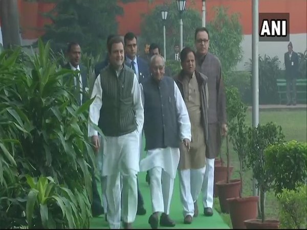 Rahul with senior Congress leaders