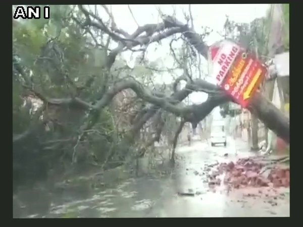 Heavy rain and strong winds disrupt normal life in Kanyakumari. Courtesy: ANI news