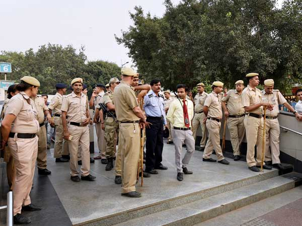 Delhi cops up the game in the National Capital on New Year's Eve