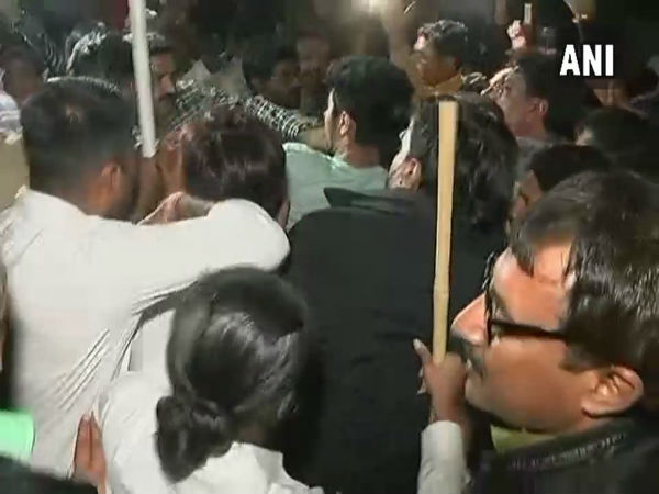 Scuffle breaks out between BJP, Congres