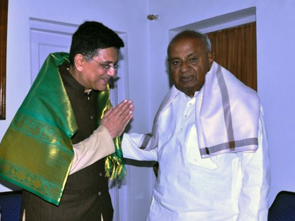 Union Railway Minister, Piyush Goyal and Janata Dal (S) supremo, H D Deve Gowda