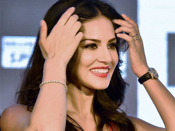 Pro-Kannada Group Protests Against Sunny Leone's Show In Bengaluru