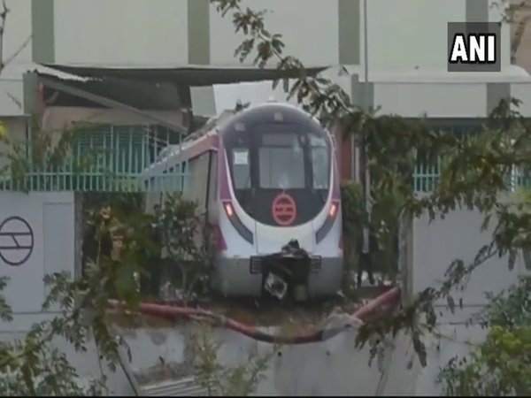 PM Modi to inaugurate Metro line between Botanical Garden and Kalkaji Mandir