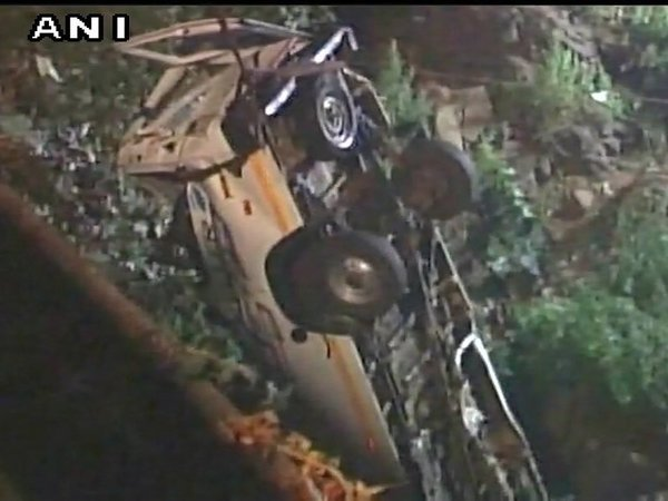 Seven children among 13 killed as minibus plunges into river in Maharashtra