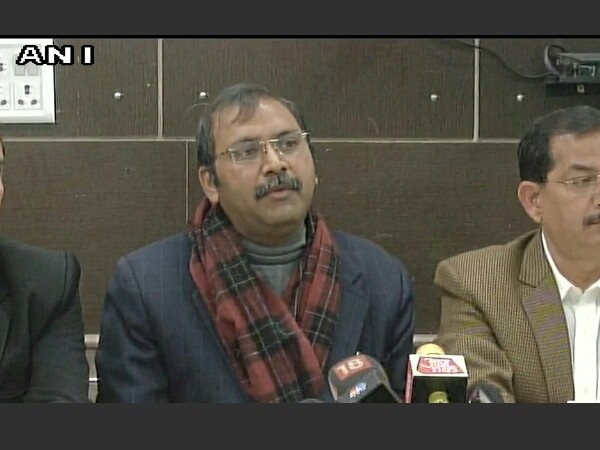 Delhi BAR Association members addressing a press conference on Sunday
