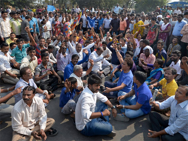 Dalits groups protesting during the Maharashtra Bandh called over the Bhima Koregaon violence, in Mumbai