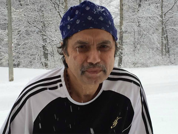 Senior Kannada Actor Edakallu Chandrasekhar passes away in Canada