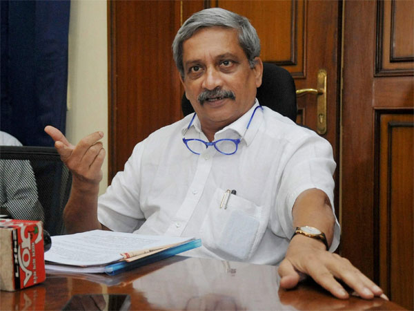 Goa Chief Minister Manohar Parrikar leaves for U.S. for treatment