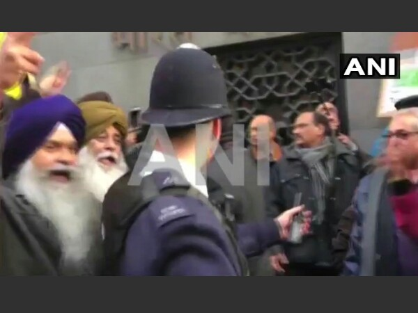 Clashes erupts outside the Indian High Commission in London