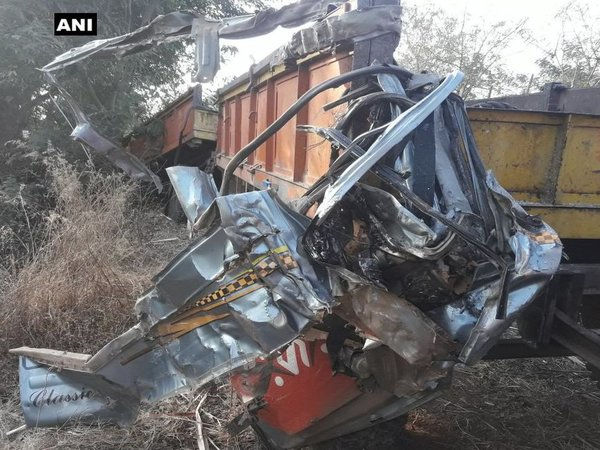 Five wrestlers among six killed in Maharashtra road accident. Courtesy: ANI news
