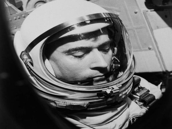 John Young, who set records in space with NASA, is dead at 87