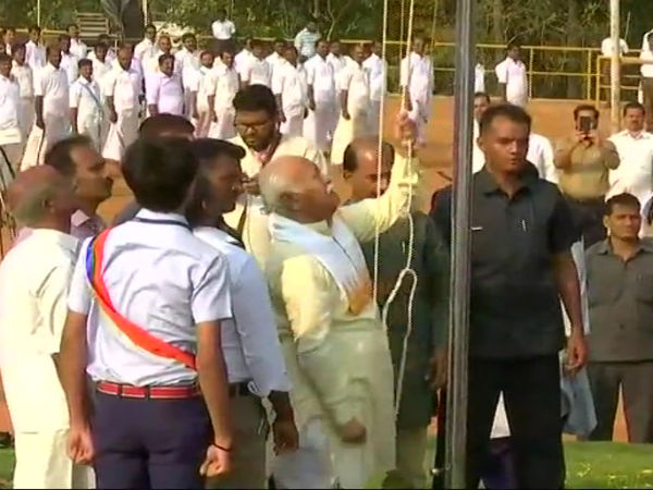 Mohan Bhagwat hoists tri-colour in Palakkad school