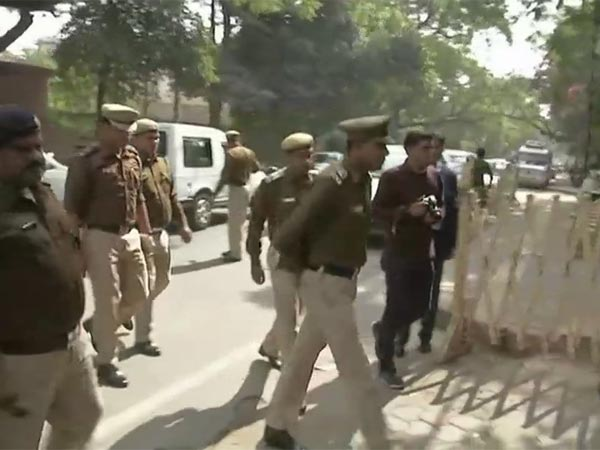 Police arrives at CM Kejriwal's residence to review CCTV visuals