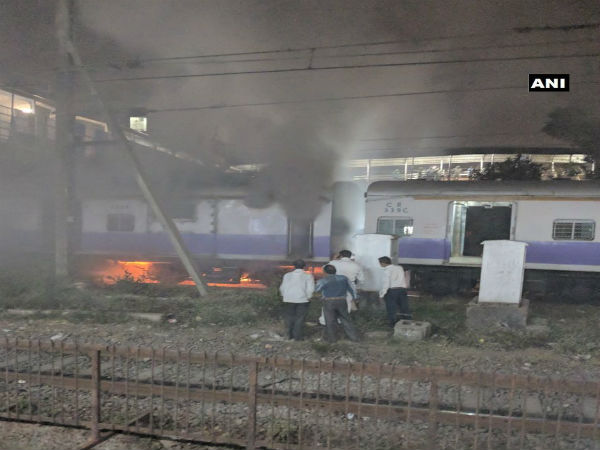 Mumbai: Local train catches fire, no injuries reported