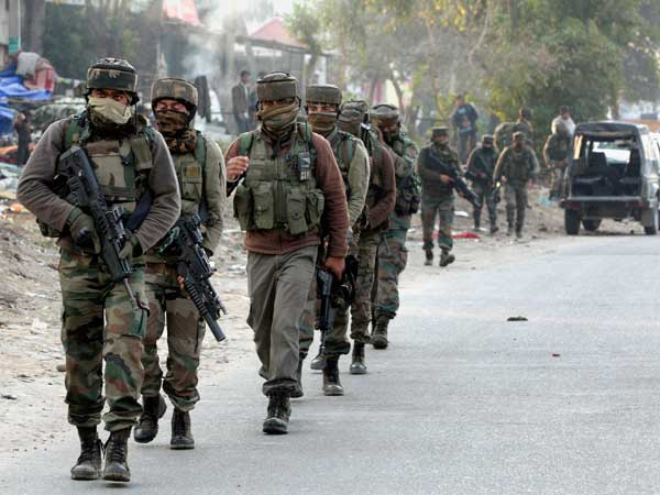 Sunjwan attack: 5 soldiers martyred, 3 terrorists killed